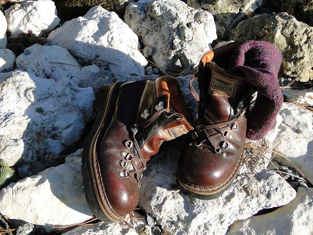 hiking-75610_640